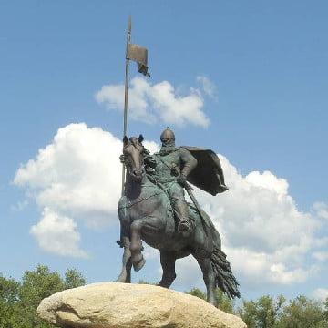 Пам'ятник Іллі Муромцю уДеснянському районі Києва